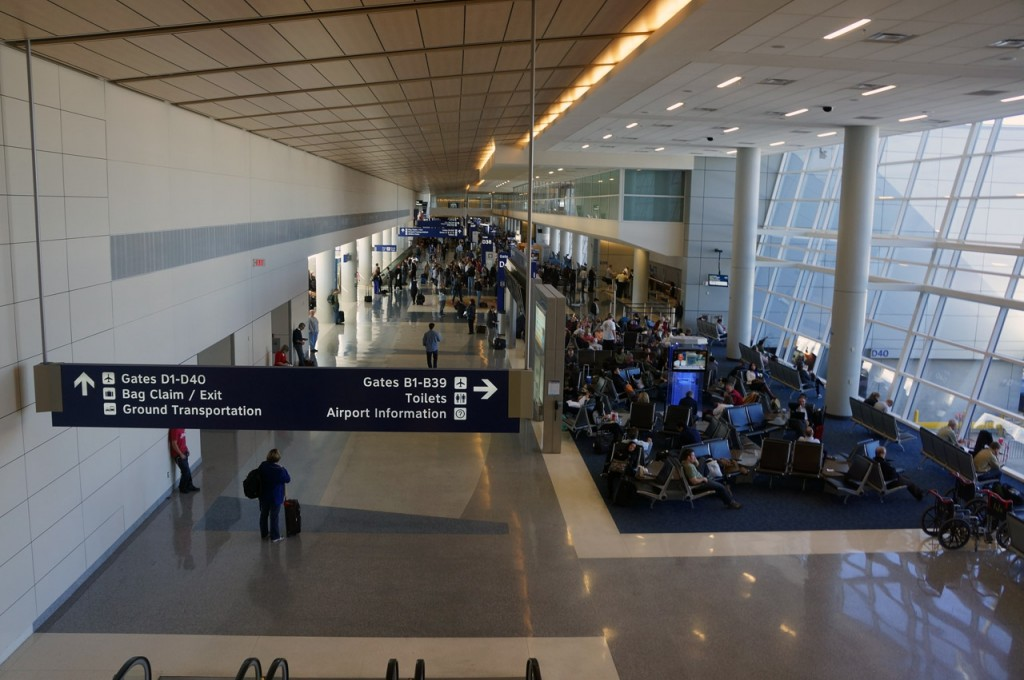 dfw-american-airlines-terminal-d-int-1_27238